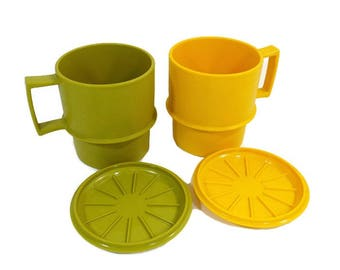 Vintage Tupperware, 2 Coffee Mugs Cups, Lids Coaster Set, Autumn Harvest Colors, Avocado Green, Yellow Cup, Camping Picnic, Kids Cups