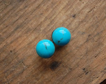 Round Turquoise Stone Plugs for stretched lobes. Choose Size 4g (5mm) | 2g(6mm)| 0g (8mm) | 00g (10mm) | Half Inch (12mm)
