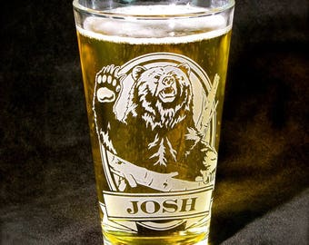 NEW 1 Personalized Grizzly Bear Pint Glass, Gift for Father's Day Present for Dad, Best Man, Etched Glass Beer Glass