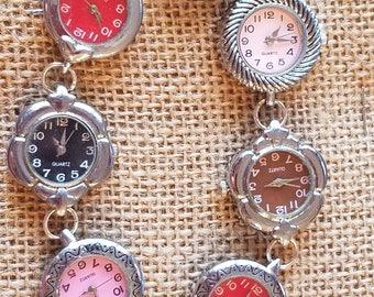 Chic steampunk clockwork bracelet.