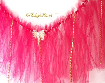 Festive Christmas Tutu Style Garland. Cranberry Tulle Garland w Gold/Pearls Sparkle Beads. Holiday, New Years, Photo Props, Mantels
