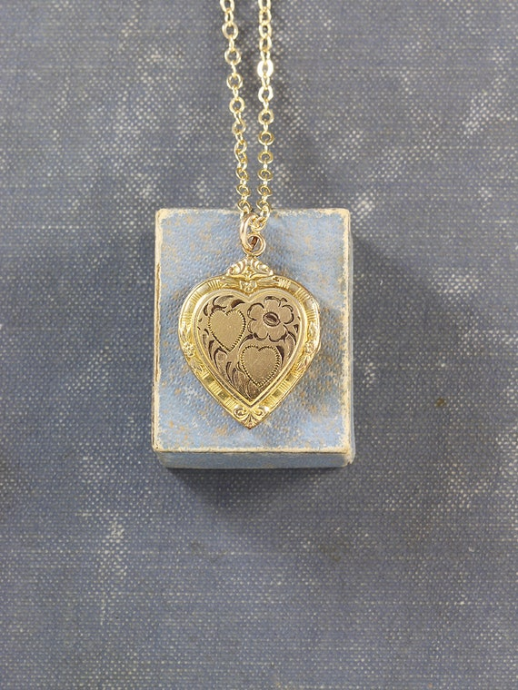 Small Gold Heart Locket Necklace, Classic Hayward Vintage Pendant - American Classic