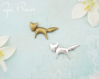 Choose silver or bronze fox brooch. Fox broach. Silver fox jewelry. Fox pin. Bronze gold animal brooch. Antiqued silver fox brooch.