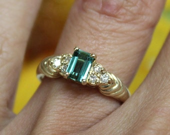 Sea blue Tourmaline ring, vintage cluster ring, 14K yellow gold, waves, Caribbean sea,  APPRAISAL INCLUDED