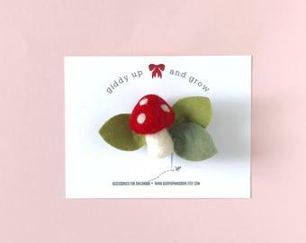 Toadstool Felt Flowers, Mushroom Hairbow, giddyupandgrow