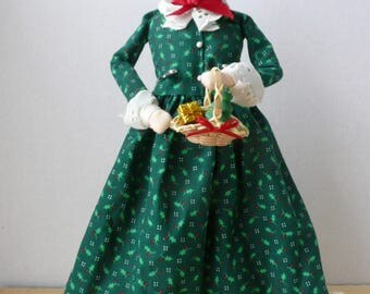 Byers Choice Christmas Caroler, Byers Choice Mrs. Claus 1992, Dickens Figurine