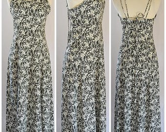 Vintage 1980s Black and White Floral Fit and Flare Maxi Dress Sz S