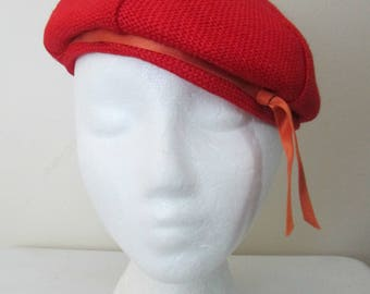 1940s 1950s Red Beret Woven Fabric Tam Hat