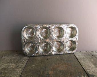 Vintage 1950's Ekco Ovenex Muffin Tin / Vintage Kitchen Decor