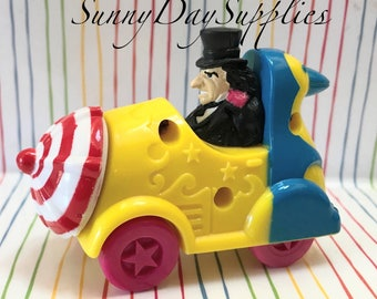 Penguin and his Car, Batman Character, Villian, Vintage McDonald's Happy Meal Toys, Batman Animated Series, 1993, Cars,  Gifts for kids