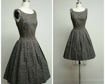 Vintage 1950s Dress • Next to You • Grey White Cotton Print 50s Sun Dress with Full Skirt Size Small