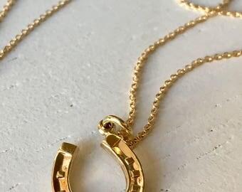 Lovely Detailed 9k Gold Horseshoe Charm Pendant