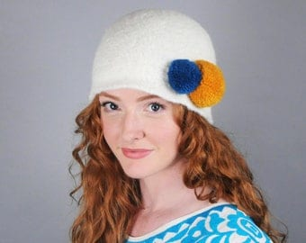 Pom Pom Hat // Merino Wool // Felted Wool Women's Winter Hat // Several colors // Gifts for Her // Beanie // Tuque // Pompom Hat