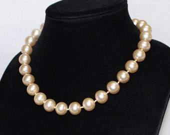 Sweet Vintage Chunky Champagne Pearl Necklace