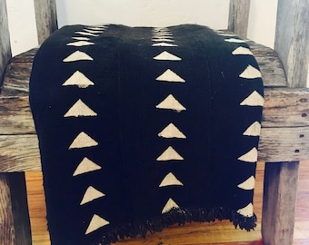 "Black & White Mud Cloth, African Mud cloth, Geometric print mud cloth,Boho style textile, 60""x39"", Hand Made in Mali, African textile"