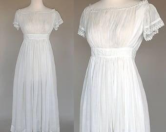 Antique Early 1800s Dress / Muslin / Lawn / Embroidery / XXS