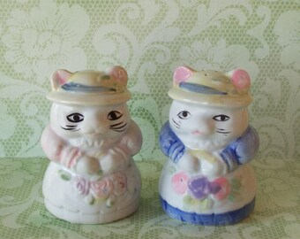 Vintage Old Fashioned Dressed Cat Salt and Pepper Shakers