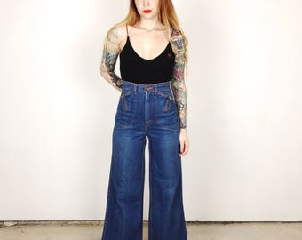 Gorgeous 70's High Waisted Wide Leg Bell Bottom Jeans // Women's size Small S 26 27 5 6 7