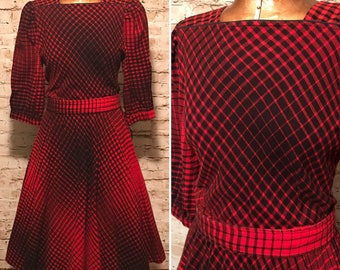 Vintage 1980s Plaid Flannel Dress // 80s Red and Black Belted Dress // size small S