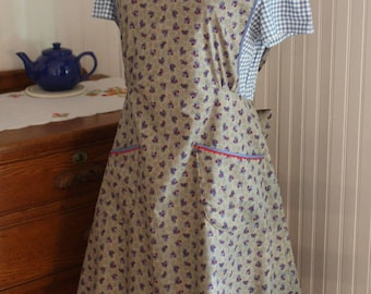 Chicken Print 1940's Calico Apron -Ready to Ship