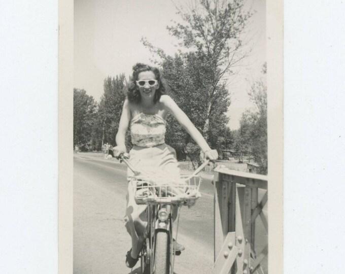 Vintage Snapshot Photo: Bicycle Ride, 1941 (81634)