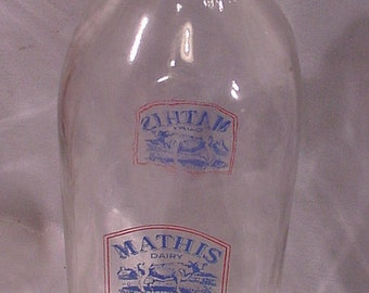 Older 1 Quart Milk Bottle from MATHIS DAIRY Farm Scene Cow and Barn