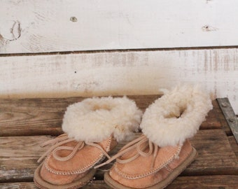 Adorable Vintage Nude Suede Shearling Baby Slippers