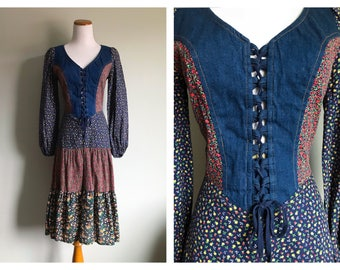 Vintage Denim Floral Priarie Dress Long Sleeve Sexy Lace Tie Front Cotton Peasant Hippy Boho Tea Length Tiered Folk Skirt size 6 7 8 Medium