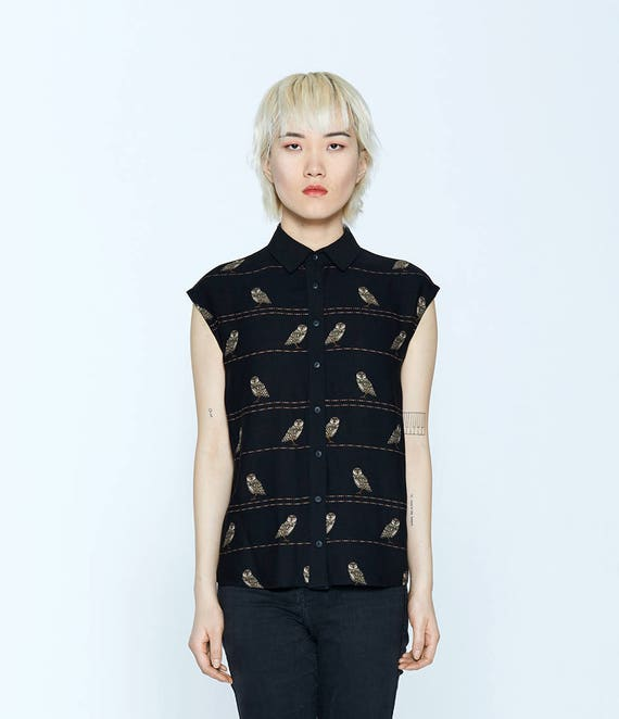 AMOUR NOIR - sleeveless shirt, blouse for women - black with owls print