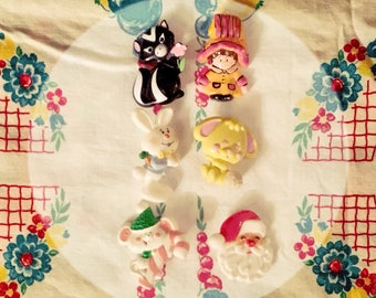 Lot of SIx (6) Vintage Little Girls Plastic Pins Brooches AVON HALLMARK BERRIE Bunny Santa Mouse Skunk Puppy Girl