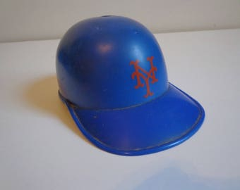 1970s Vintage NY Mets Plastic Baseball Cap Coin Bank Collectible Retro Sports Fan Merchandise Nostalgia 70s, 80s Ground Round