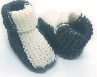 """""""Diagonal"""" gray and white 0-3 month baby booties"""