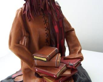 Sculpture CUIR Amoureux des livres  Déco CUIR  Pièce unique Créateur France