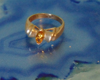 Vintage Sterling and Citrine Ring... size 6