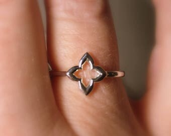 """Clover Ring, """"Hope, Faith, Love, and Luck"""", Friendship, Promise Ring in Sterling Silver, Slim, Celtic Ring"""