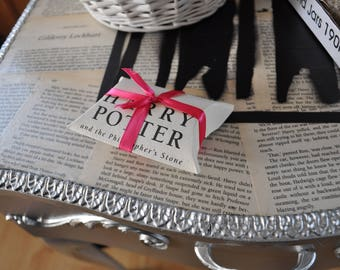 Harry Potter Pillow Boxes Real book pages confetti scatters decor table parties weddings handmadeSet of 5
