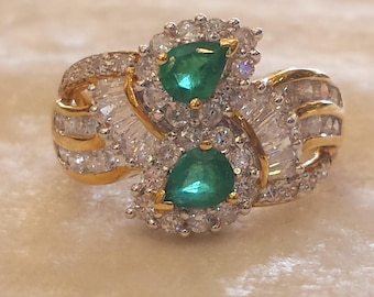 18 K yellow gold diamond and emerald cluster ring