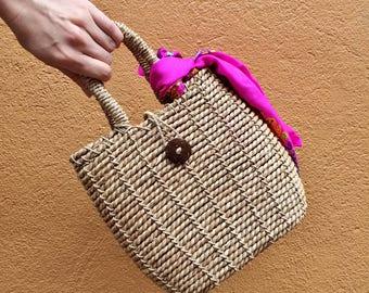 Straw Bag Vintage Handbag / Woven Basket Weave Purse
