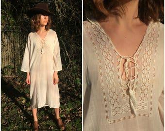 1930s Cotton Gauze Muslin Nightgown / Vintage Dress w/ Crochet Lace in Ecru Off White