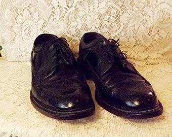 80s Hanover Men's Black Brogue Wingtip Shoes Size 8. 5