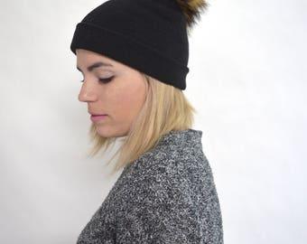 Real knitted cap with fur pom pom, fox fur pom pom hat,black knitted hat, beanie fox fur hat, with stretch textile. Beanie winter hat.