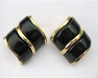 Vintage Jewelry ~  Earrings  Black Gold   Pierced