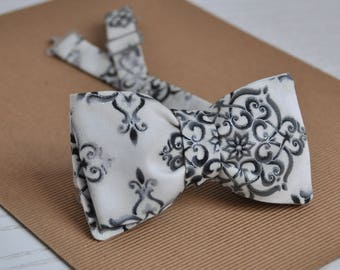 Groom's Bow Tie. Wedding Bow Tie. Men's Bow Tie. Gift for Him.