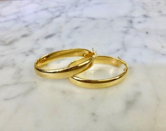 14K Yellow Gold Thick Oval Hoop Earrings