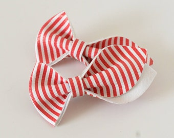 Tulip Bow(s)   Candy Cane Red