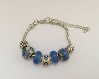 Blue charm's bracelet with Pearl rhinestone ref 804