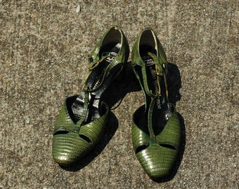 Vintage 1950's Size 6 Green Reptile T Strap Heels by Miss Constance Cut Out Details Unique