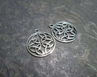 Round Celtic Knot Charms Package of 2 charms Silver Celtic Trinity Knot Charms