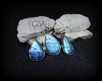 Labradorite Necklace//Sterling Silver Labradorite Necklace//Labradorite Pendant//Blue Flash Labradorite//Quality Genuine Blue Labradorite