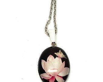 Pink long butterfly on flower glass cabochon necklace mi